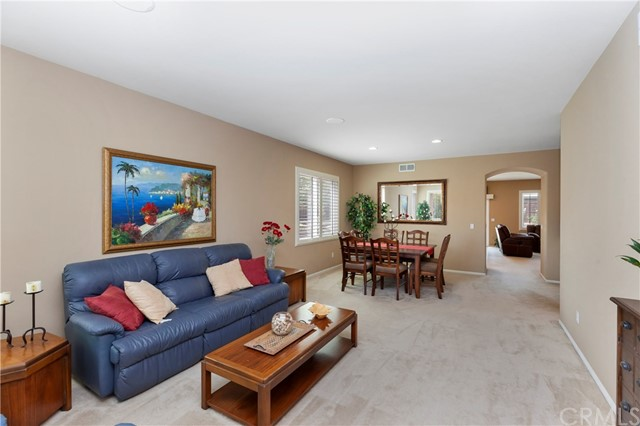 33571 Honeysuckle Lane, Murrieta CA: http://media.crmls.org/medias/e1a3bc43-98e1-45d6-9f9e-947101a3c006.jpg