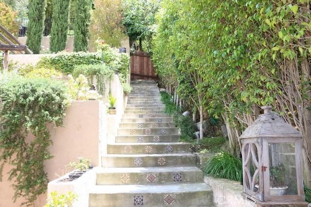 2810 Oak Point Drive, Los Angeles CA 90068