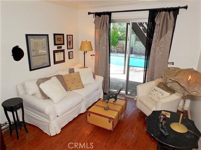 1053 Parkhill Drive, Costa Mesa CA: http://media.crmls.org/medias/e1b8339f-b1f6-42b7-b373-116b9281a27c.jpg