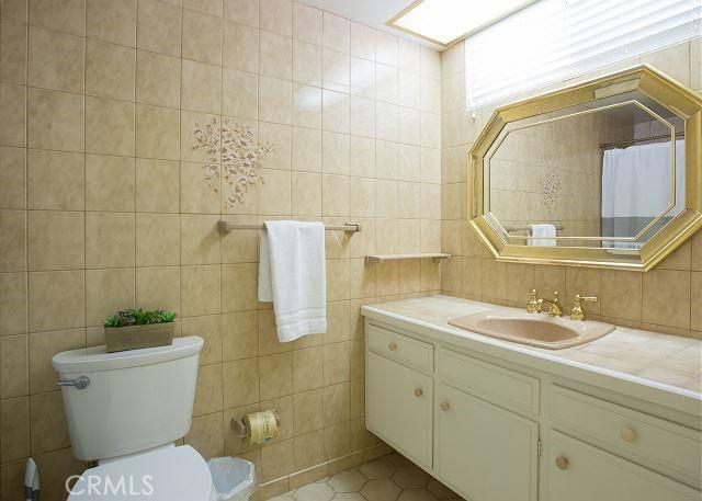 404 Oceanfront, Newport Beach, California 92661, ,Residential Income,For Sale,Oceanfront,OC21152561