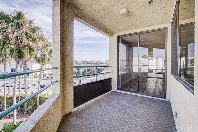 520 The Village 313, Redondo Beach, CA 90277 photo 4