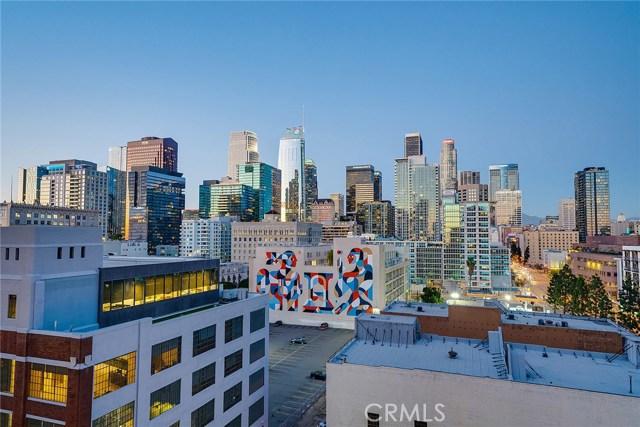 1111 S Grand Avenue, Los Angeles CA: http://media.crmls.org/medias/e1cad3dd-0c69-4f3f-81ec-6fa7d8fec483.jpg