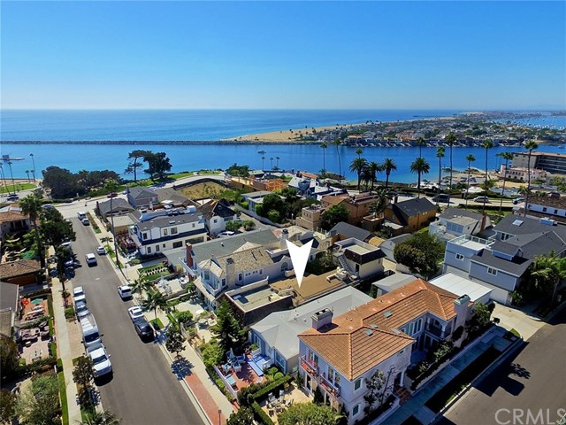 221 Heliotrope Avenue - Corona del Mar, California