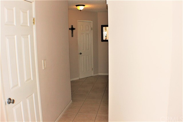 14398 Rio Bravo Road, Moreno Valley CA: http://media.crmls.org/medias/e1d96f57-9143-4f4e-ad32-42779e1ffba2.jpg