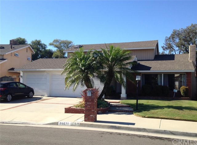 Single Family Home for Rent at 19671 Elmcrest St Huntington Beach, California 92646 United States