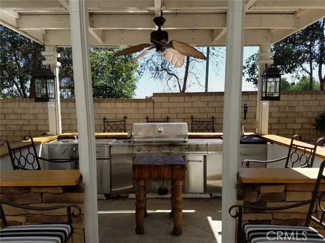 1324 Garten Drive, Placentia CA: http://media.crmls.org/medias/e1ee0ae6-a69a-485a-88c4-c0daedf3605a.jpg