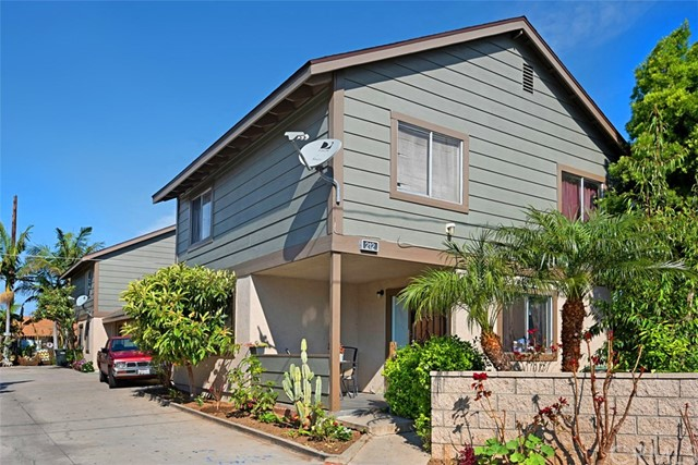 212 S Hewes Street Orange, CA 92869 is listed for sale as MLS Listing OC17075513