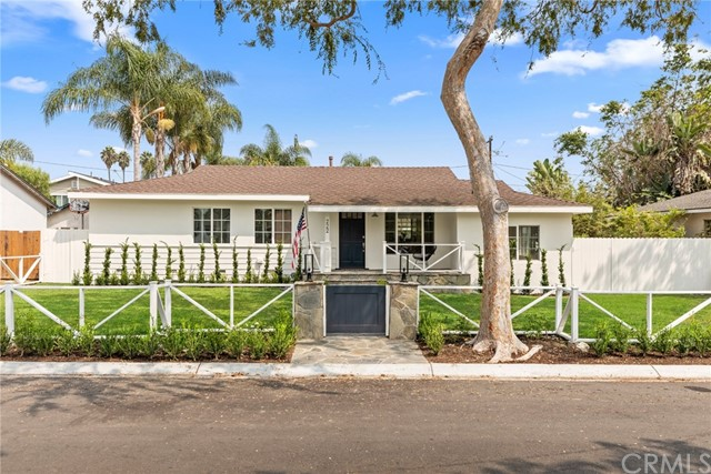 Photo of 222 Lillian Place, Costa Mesa, CA 92627