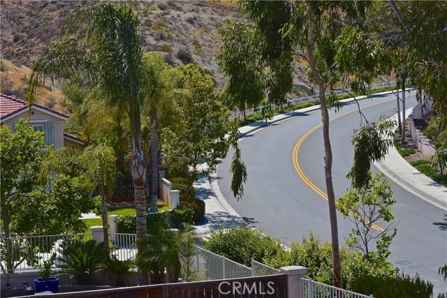 17852 Spring Hill Way, Riverside CA: http://media.crmls.org/medias/e1f3ef91-24fb-4c78-aa3c-b081dea94bff.jpg