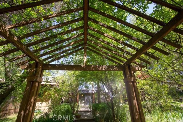 4040 Amelia Drive, Mariposa CA: http://media.crmls.org/medias/e1f44f5e-7cd2-4f45-88c0-e29ce8a6acb2.jpg