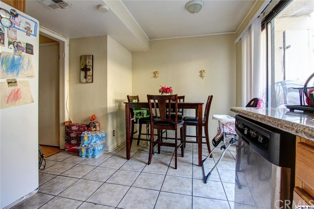 9325 Sunland Park Drive Unit 31 Sun Valley, CA 91352 - MLS #: 317006971