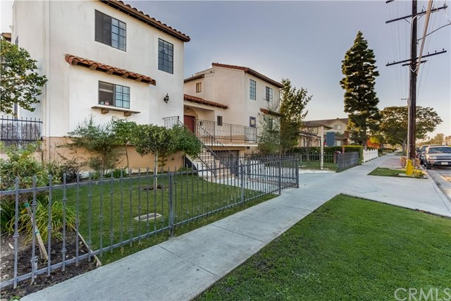 $490,000 - 2Br/3Ba -  for Sale in Torrance