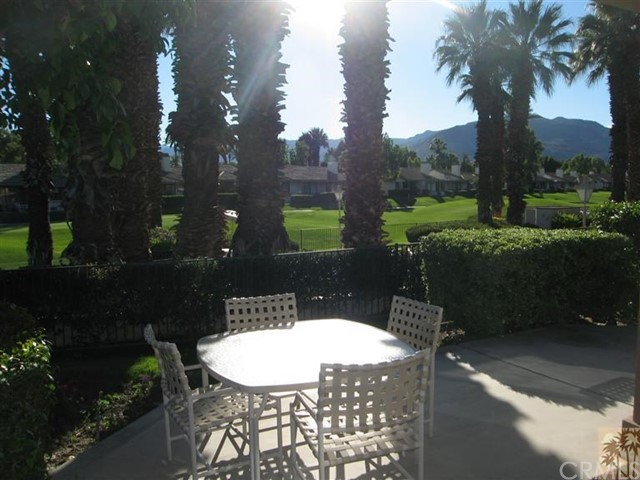 259 Calle Del Verano, Palm Desert CA: http://media.crmls.org/medias/e1f706bb-c54e-4f50-980c-ffb592b68022.jpg