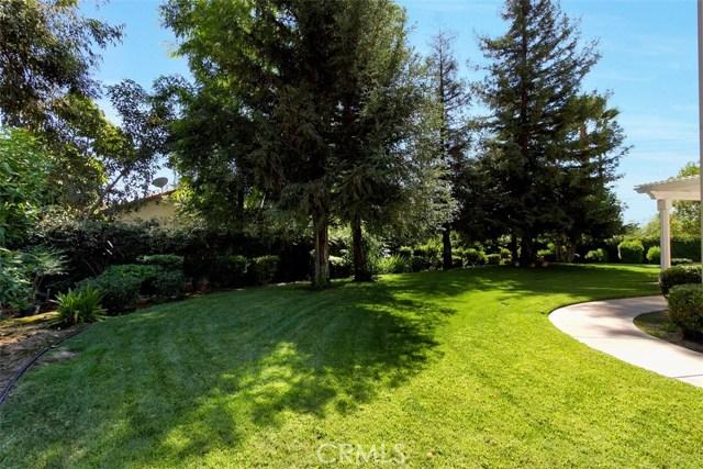 1523 Kohler Court, Riverside CA: http://media.crmls.org/medias/e1f78e06-60b7-4156-bdbf-c014c2cb9209.jpg