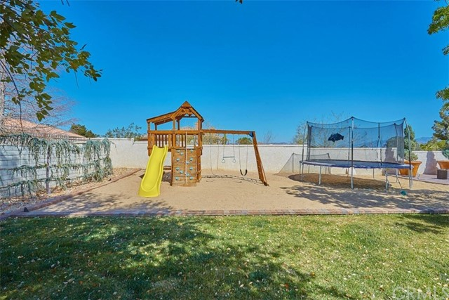 16343 Ridge View Drive Apple Valley, CA 92307 - MLS #: CV18087487