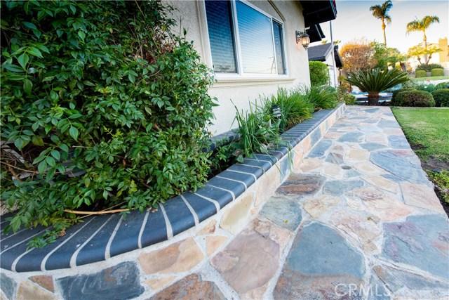 14211 Clarissa Lane, North Tustin CA: http://media.crmls.org/medias/e1fc47f1-f4dd-42bf-accc-445288514688.jpg