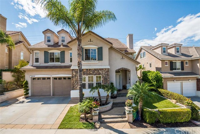 Single Family Home for Sale at 23609 Castle Rock St Mission Viejo, California 92692 United States