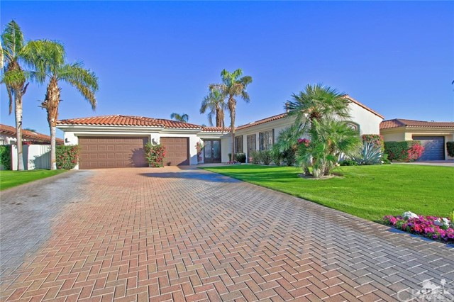 104 Loch Lomond Road, Rancho Mirage CA: http://media.crmls.org/medias/e20aca53-3e8e-43f2-84d0-aa0863dc9b9a.jpg