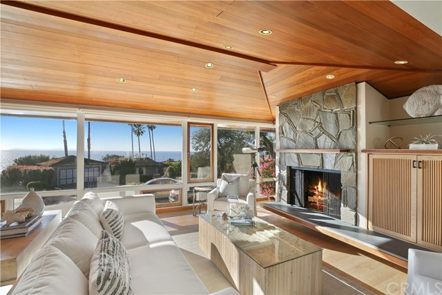 7 N La Senda Drive Laguna Beach, CA 92651 - MLS #: OC18020865