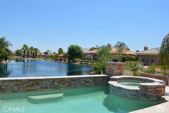 91 Shoreline Drive, Rancho Mirage CA: http://media.crmls.org/medias/e214542a-230f-4046-ac2b-d03a61dc4e72.jpg