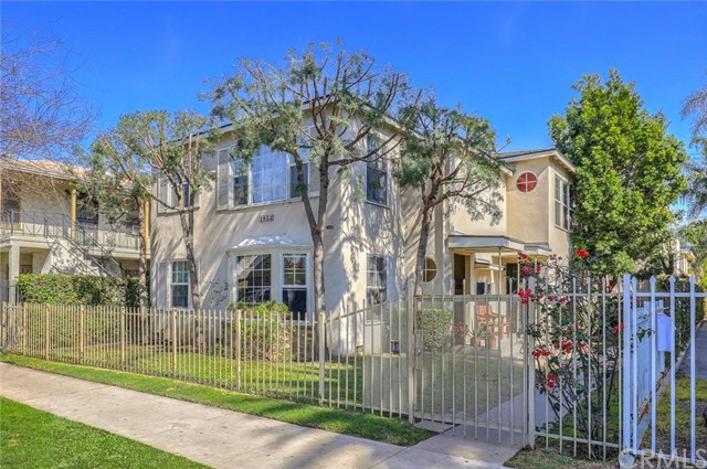 Residential Income for Sale at 1952 Pine Avenue 1952 Pine Avenue Long Beach, California 90806 United States