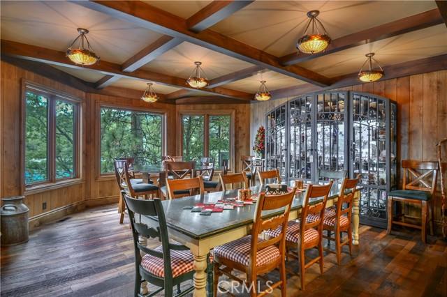 27433 N Bay Road, Lake Arrowhead CA: http://media.crmls.org/medias/e2163a3e-5b4c-4194-a33a-27619fff74b2.jpg