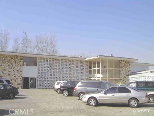 Oficinas por un Venta en 1315 N Bullis Road Compton, California 90221 Estados Unidos