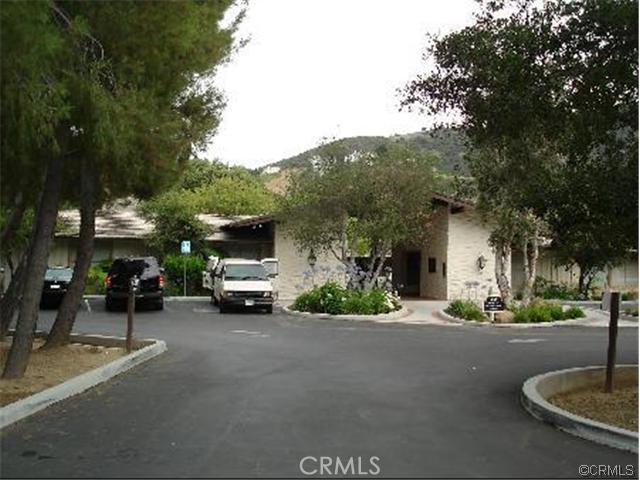 96 Saddlebow Road, Bell Canyon CA: http://media.crmls.org/medias/e2239446-d8d9-4db9-b33f-5c3674dffb5c.jpg