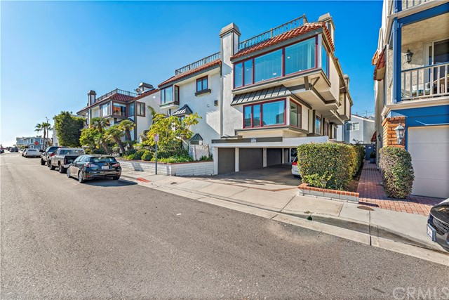 213 19th Street, Newport Beach, California 92663, 2 Bedrooms Bedrooms, ,3 BathroomsBathrooms,Residential Purchase,For Sale,19th,IG21000017
