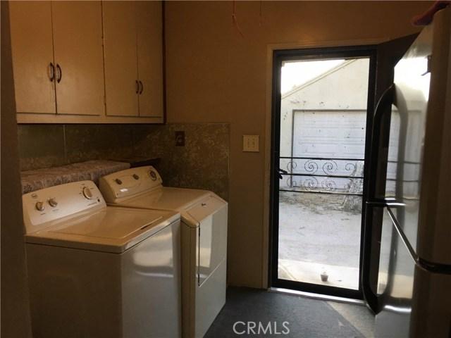 1739 Mathews Street, Riverside CA: http://media.crmls.org/medias/e22c80dd-c991-49f3-ab7f-0283711a15d0.jpg