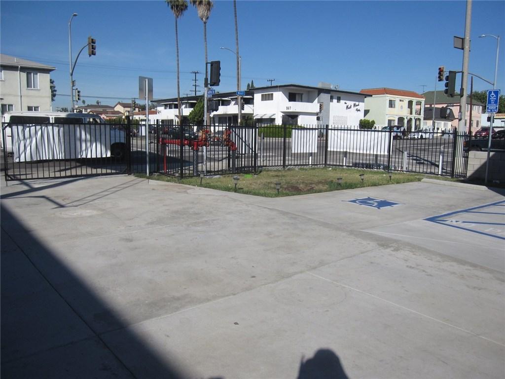 6000 West Blvd, Los Angeles, CA 90043 Photo 8