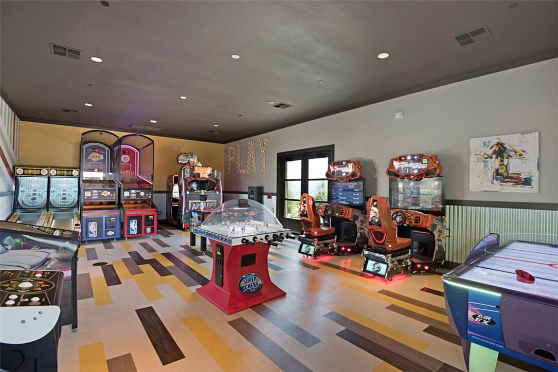21 Rollizo Street, Rancho Mission Viejo CA: http://media.crmls.org/medias/e253ed45-42e8-4150-814e-61f3987de0e5.jpg