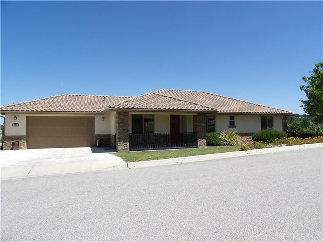 681 Red Cloud Road, Paso Robles, CA 93446