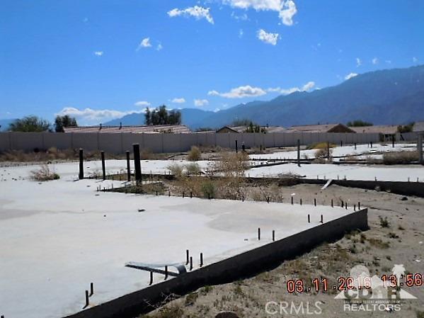 11339 Bald Eagle Lane, Desert Hot Springs CA: http://media.crmls.org/medias/e28995cf-e1ed-431e-9d4e-e80d739ee266.jpg
