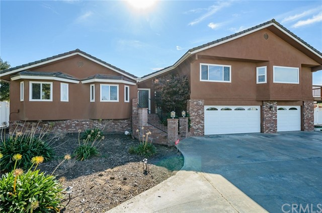 Single Family Home for Sale at 5643 Oakhill Court Orcutt, California 93455 United States