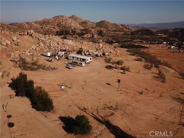 25050 El Toro Road, Perris CA: http://media.crmls.org/medias/e28e4227-d770-4175-833f-85665cd68a5b.jpg