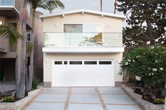 Single Family Home for Sale at 1070 Miramar St Laguna Beach, California 92651 United States