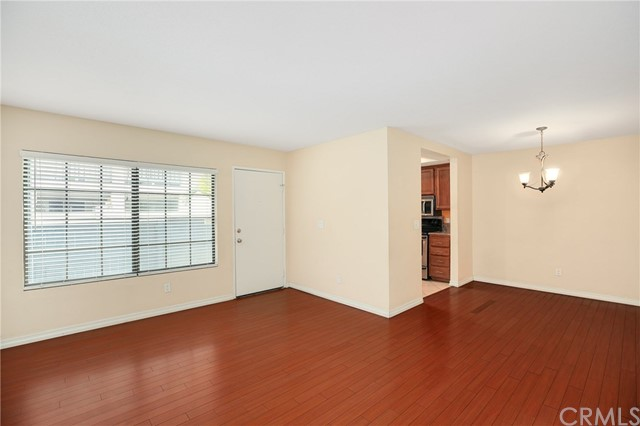 3085 W Cheryllyn Ln, Anaheim, CA 92804 Photo 6