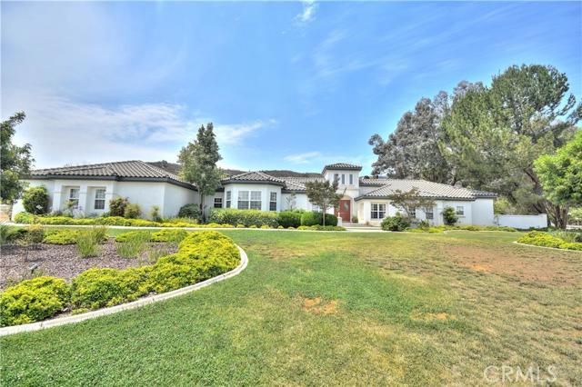 Single Family Home for Sale at 22385 Alameda Del Monte Wildomar, California 92595 United States