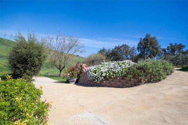 27972 Golden Ridge Lane, San Juan Capistrano CA: http://media.crmls.org/medias/e2b363eb-bc4f-41d5-93e3-5d311d109eb6.jpg