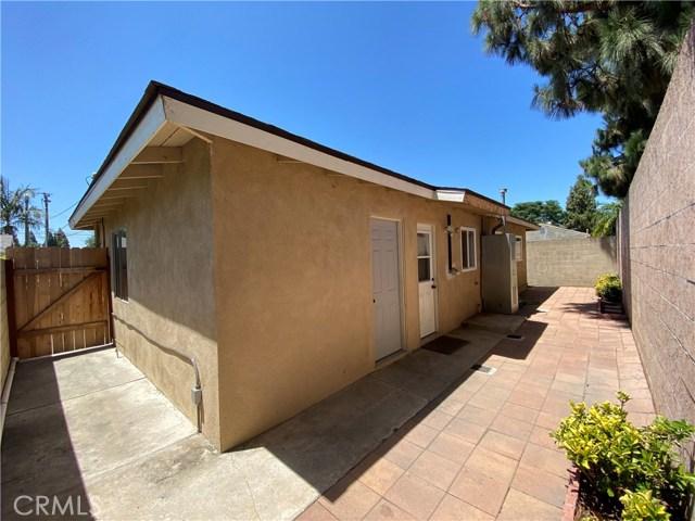 5653 Camp Street, Cypress CA: http://media.crmls.org/medias/e2b99968-aa11-41cc-b17a-c4f77707819d.jpg