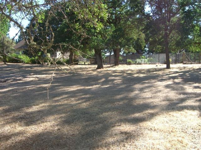 15675 Eagle Rock Road, Hidden Valley Lake CA: http://media.crmls.org/medias/e2bd77ba-7826-4e16-bcba-4e00b4a878b0.jpg
