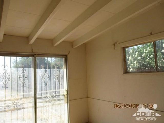 31846 Shelter Drive, Thousand Palms CA: http://media.crmls.org/medias/e2be069a-a9be-4257-8864-dc667a4432c8.jpg