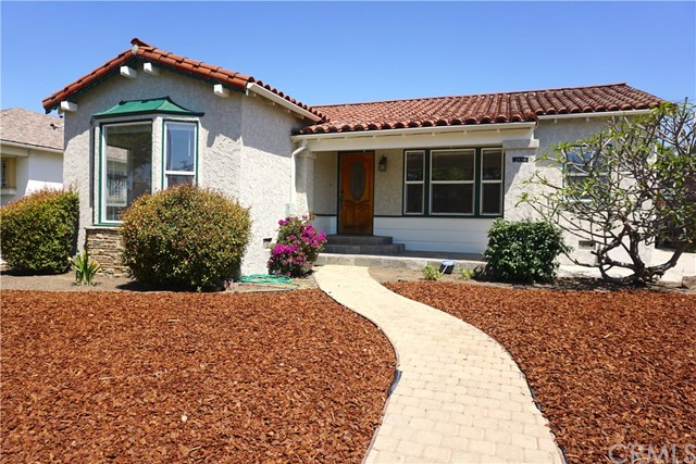 Single Family Home for Sale at 3688 Buckingham Road Los Angeles, California 90016 United States