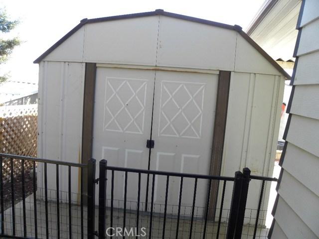 40897 Laredo, Cherry Valley CA: http://media.crmls.org/medias/e2c7cd49-04fa-4b10-95ae-39338c4a3362.jpg