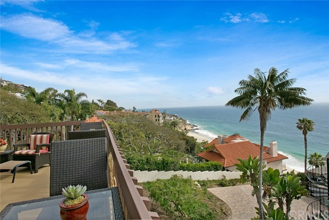 32041 Point Place, Laguna Beach CA: http://media.crmls.org/medias/e2d39f62-b303-49de-a14f-161d4b4b166e.jpg