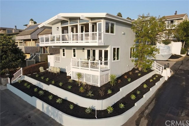 Detail Gallery Image 1 of 30 For 1004 Katella St, Laguna Beach,  CA 92651 - 3 Beds | 1/1 Baths