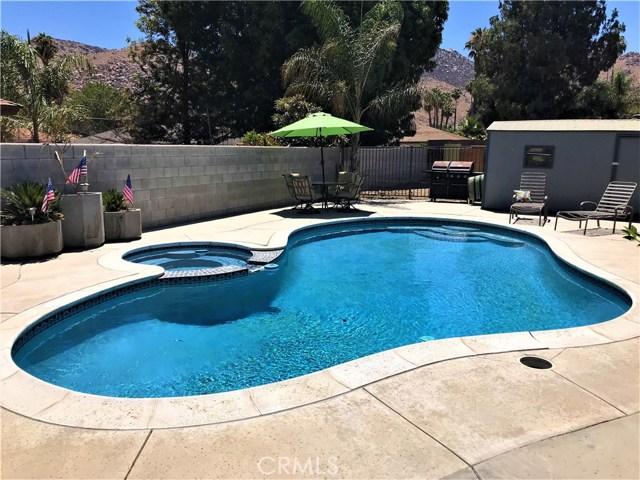 29025 Kimberly Avenue, Moreno Valley CA: http://media.crmls.org/medias/e2d75c9d-79d0-4778-9a11-f7f353673a9b.jpg