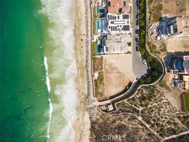 1 Strand Beach Drive, Dana Point CA: http://media.crmls.org/medias/e2da9dbe-cde5-44ee-9536-73bc9ed1b45e.jpg