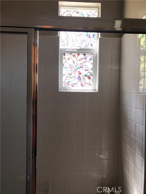 450 E Jeanette Lane, Santa Ana CA: http://media.crmls.org/medias/e2dbbd0d-f7ef-40a0-838b-6ecb6ee8b0d6.jpg